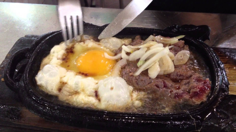 Despite the good quality food, steak in Phuc Loc is not expensive