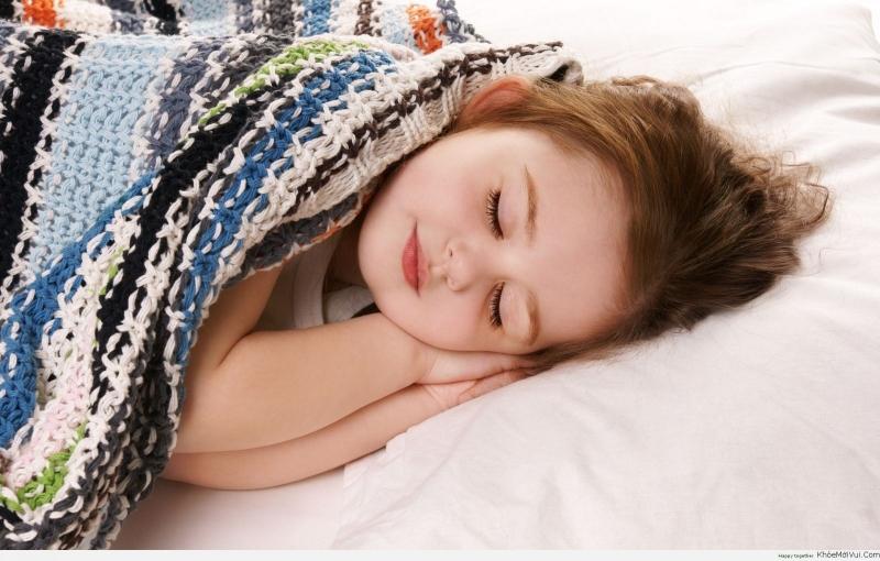 Bố mẹ cho con tự do đi ngủ vào bất cứ giờ nào
