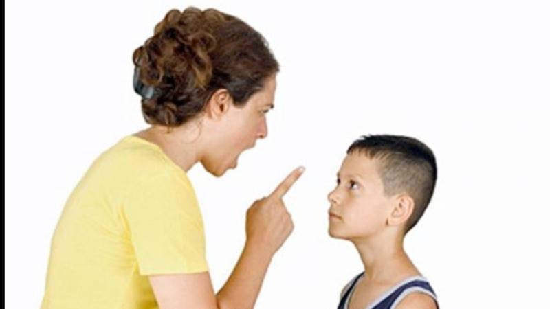 Bố mẹ độc đoán