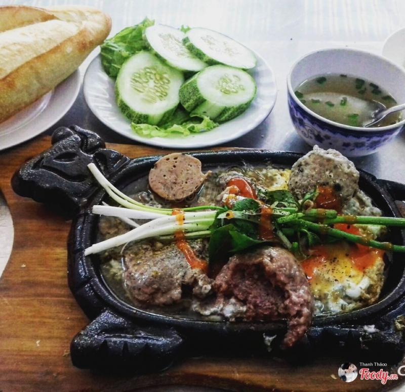 Bò né 209 là một quán ăn nổi tiếng ngon bổ rẻ