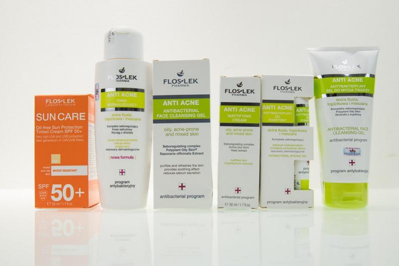 Bộ sản phẩm trị mụn Floslek