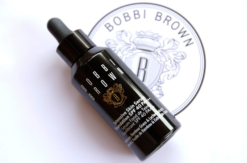 Kem nền Bobbi Brown Intensive Skin Serum Foundation.