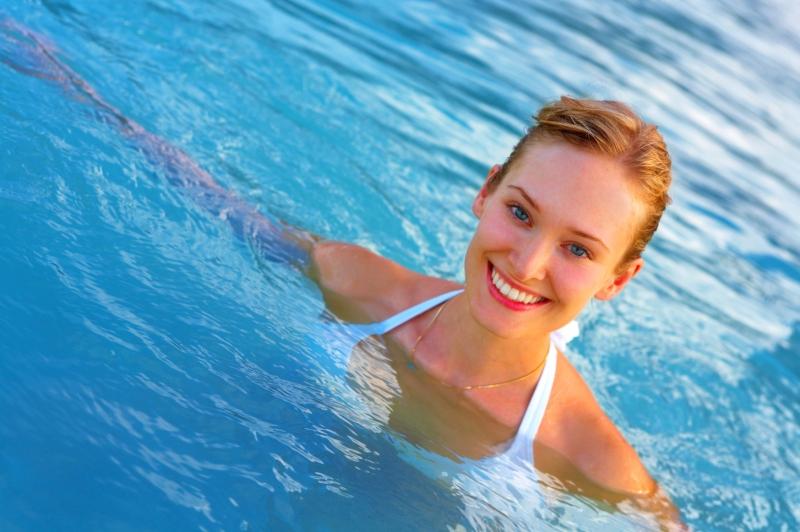 Bơi lội giúp ích rất nhiều cho sự phát triển của cơ và xương