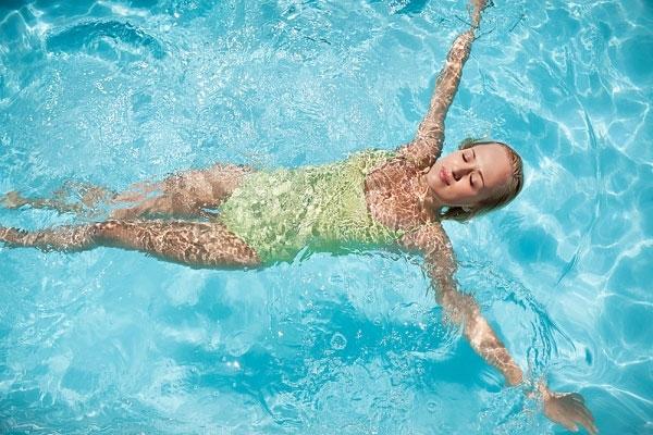 Bơi lội giúp giảm stress và giúp trí não minh mẫn hơn
