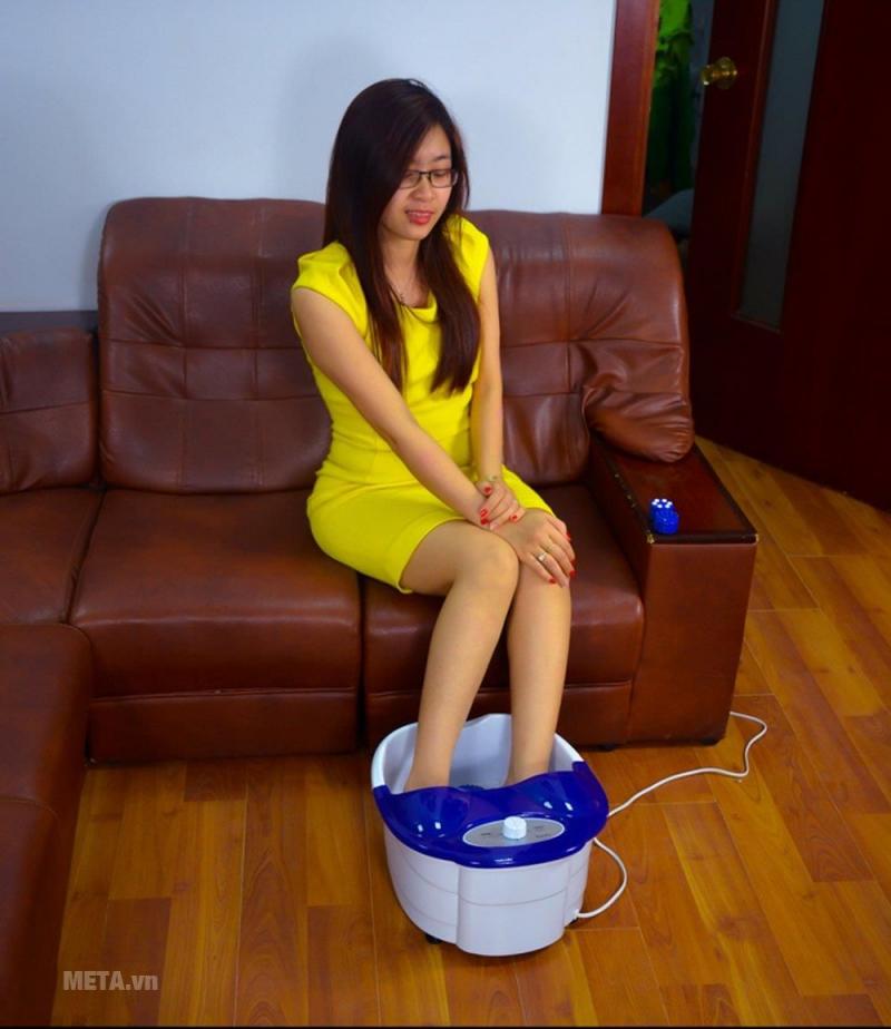 Bồn massage chân hồng ngoại Laica PC1301 thiết kế nhỏ gọn, màu sắc thanh lịch nên rất được ưa chuộng