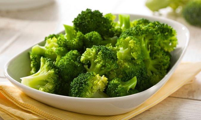 Bông cải xanh giàu chất xơ và rất tốt cho hệ tiêu hóa của trẻ.