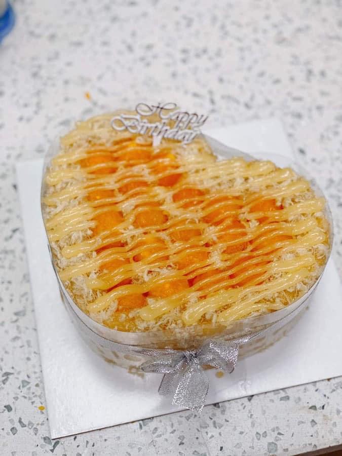 Bông lan trứng muối Gateaux De Mia