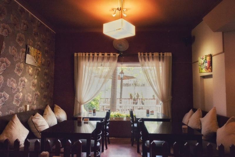 Nhà hàng Bonjour Resto với thiết kế mang đậm chất Pháp