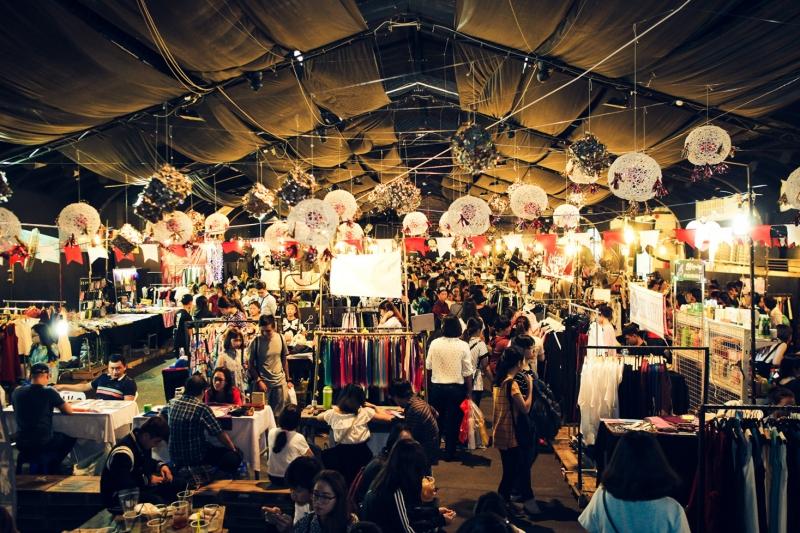 Năm 2016 là năm bùng nổ của hội chợ cuối tuần - Nguồn: Sưu tầm