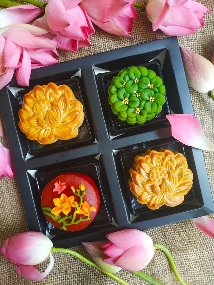 Bánh trung thu nhà Bơ có khá nhiều vị để khách hàng thoải mái lựa chọn, và vị nào cũng đều rất ngon và mang những nét đặc trưng riêng không thể trộn lẫn.