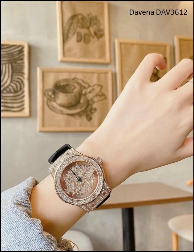 Đồng hồ nữ đẹp và chất lượng tại Boss Luxury