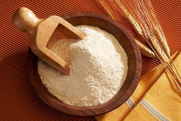 Bột mì là sản phẩm tẩy tế bào chết và làm trắng da hiệu quả nhất hiện nay.