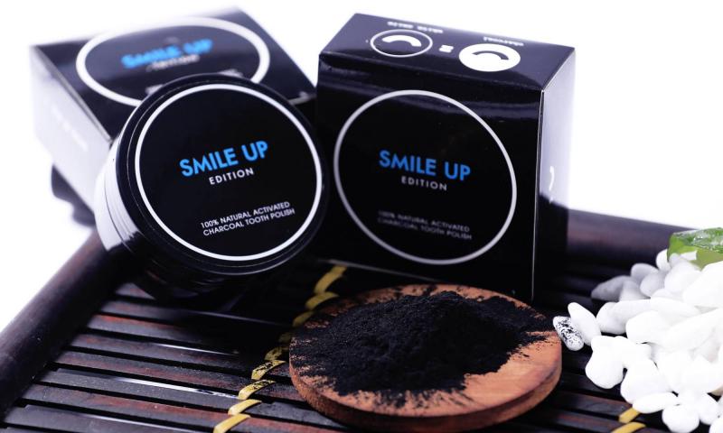 Trắng răng Smile Up bằng than hoạt tính