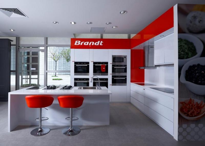 Brandt nổi tiếng với các thiết bị nhà bếp hiện đại, đẹp mắt, sang trọng.