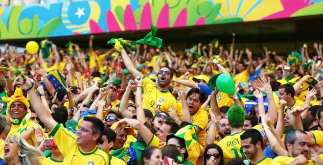 Người dân Brazil ăn mừng HCV Olympic 2016