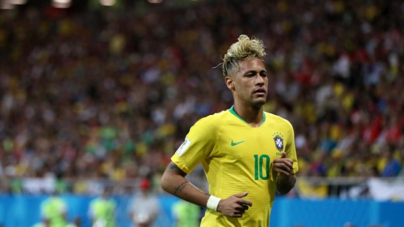 Neymar trong chiếc áo chính thức tại World Cup 2018