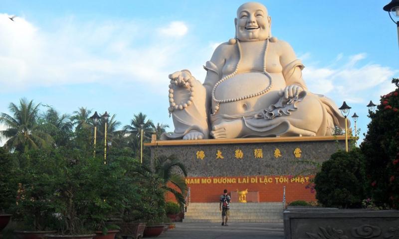 Tượng Phật Di Lặc Cười – Việt Nam