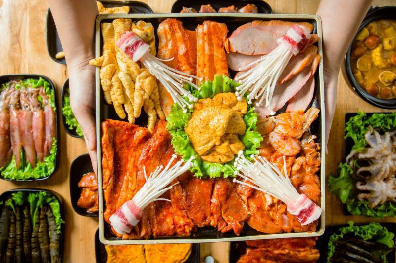 Buffet Lẩu Nướng Nhất Nhất - Mon City