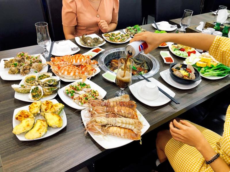 Buffet Poseidon - Lê Văn Lương