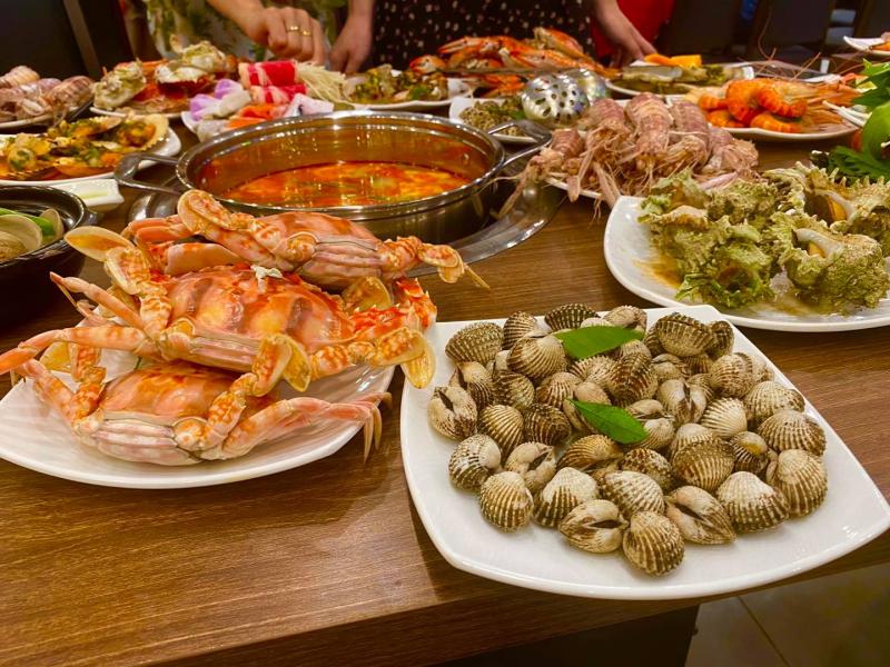 Lẩu hải sản tại Buffet Poseidon