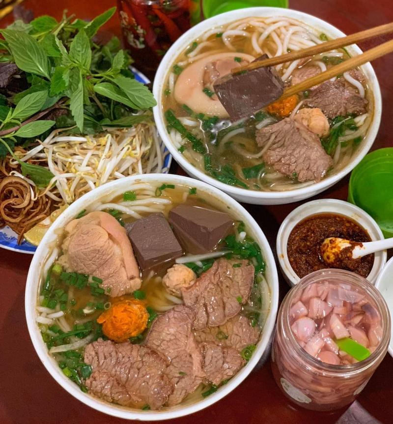 Bún Bò Huế Cô Hà - Bà Hạt
