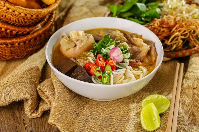 Bún Bò Huế - Ngô Thời Nhiệm