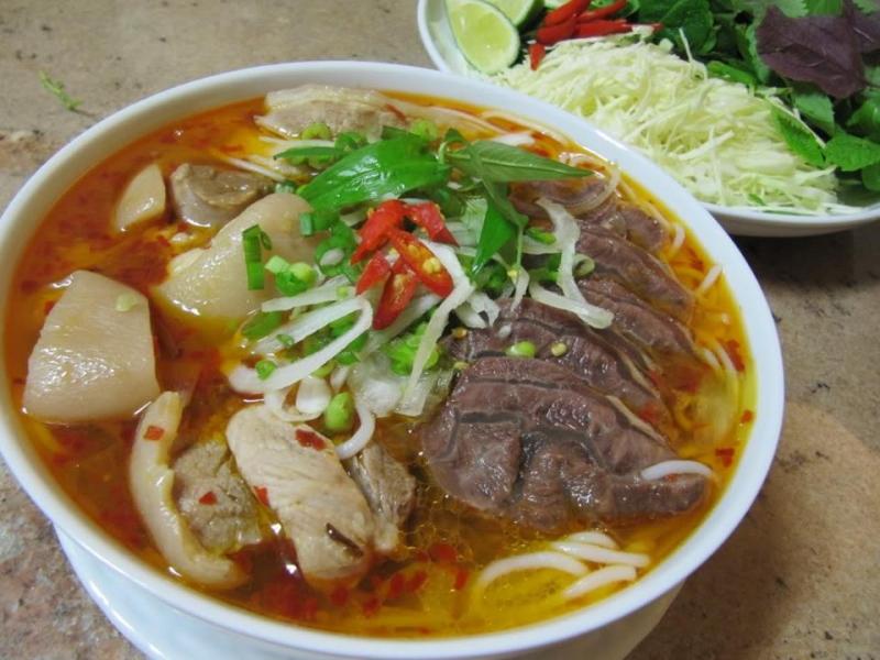 Top 10 quán bún bò Huế ngon ở thành phố Hồ Chí Minh
