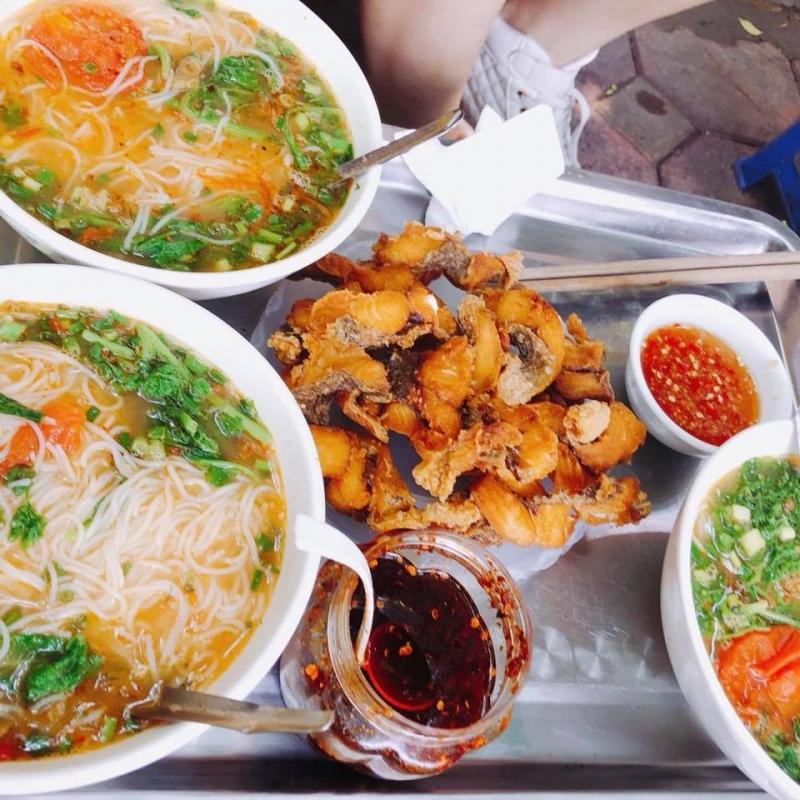 Món bùn cá nức tiếng tại 30 Nguyễn Thái Học