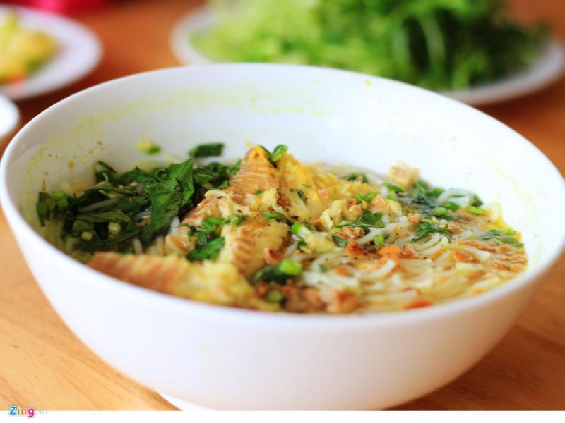 Đây là một quán ăn mang đến hương vị mới mẻ và khác biệt ở phố Mai Dịch.