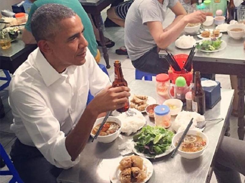 Bún chả Hương Liên được đổi tên thành bún chả Obama sau khi Tổng thống này đến thăm
