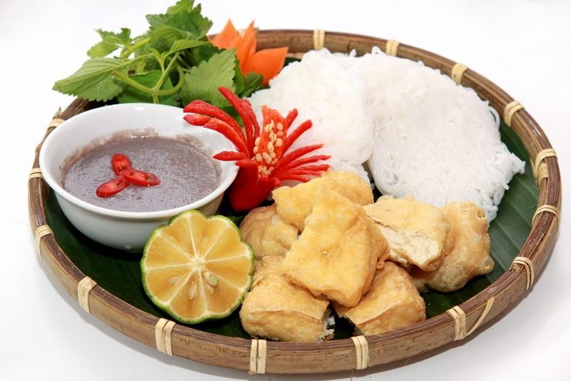 Bún đậu mắm tôm - Nguyễn Hữu Cảnh