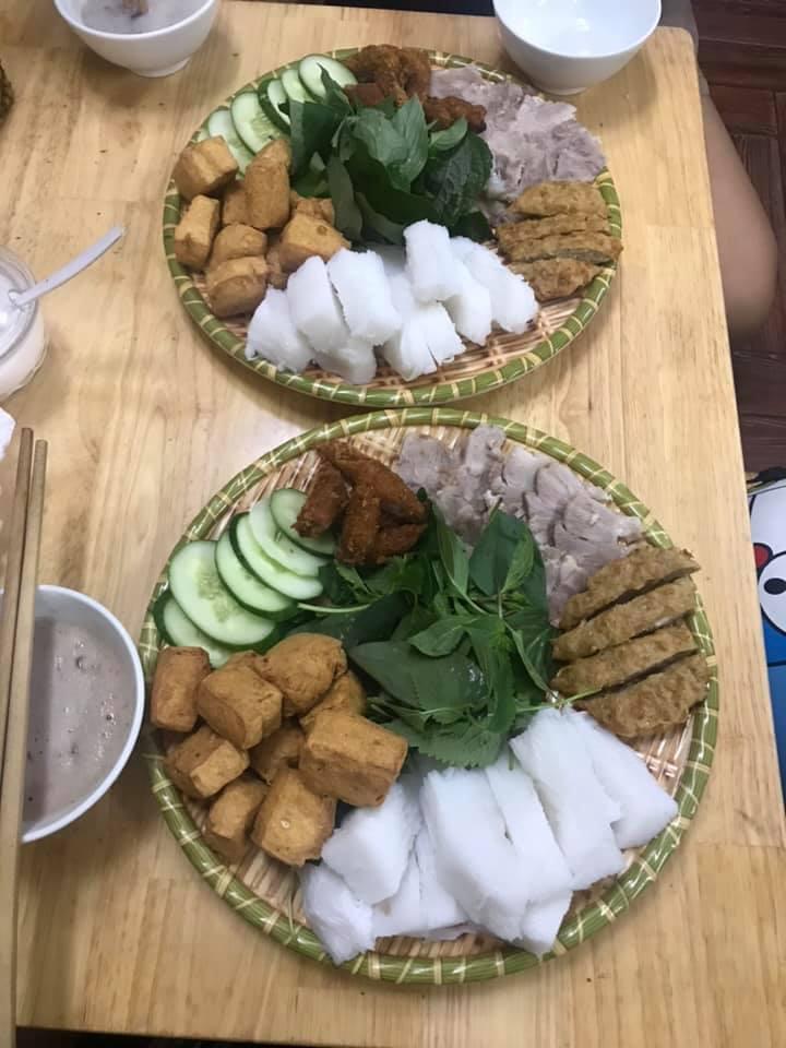 Đây là một trong những quán bún đậu được đánh giá chuẩn vị Hà Nội tại Sài Gòn