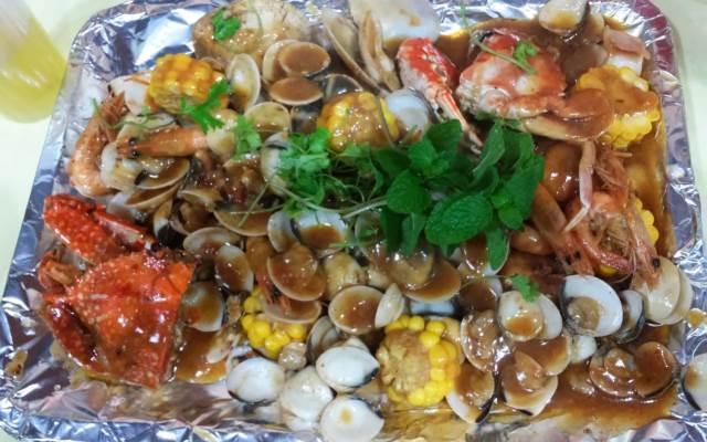 Hải sản hấp dẫn ở Bủn Koong Tùng