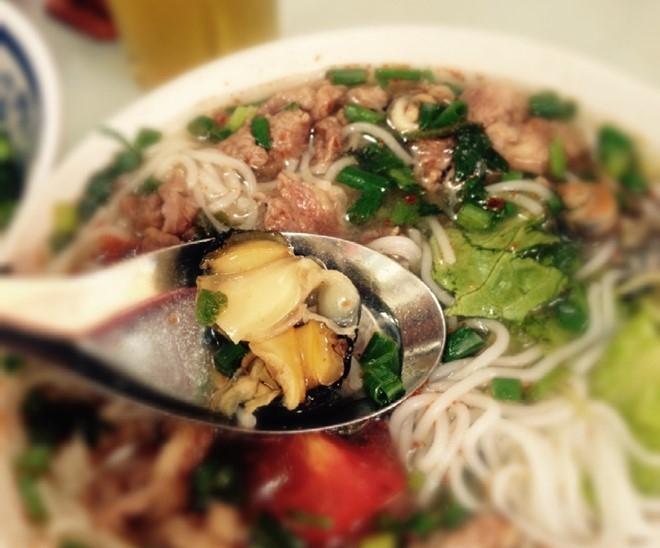 Bun con - Hang Chai