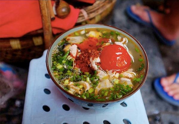 Luong Ngoc Quyen noodle soup
