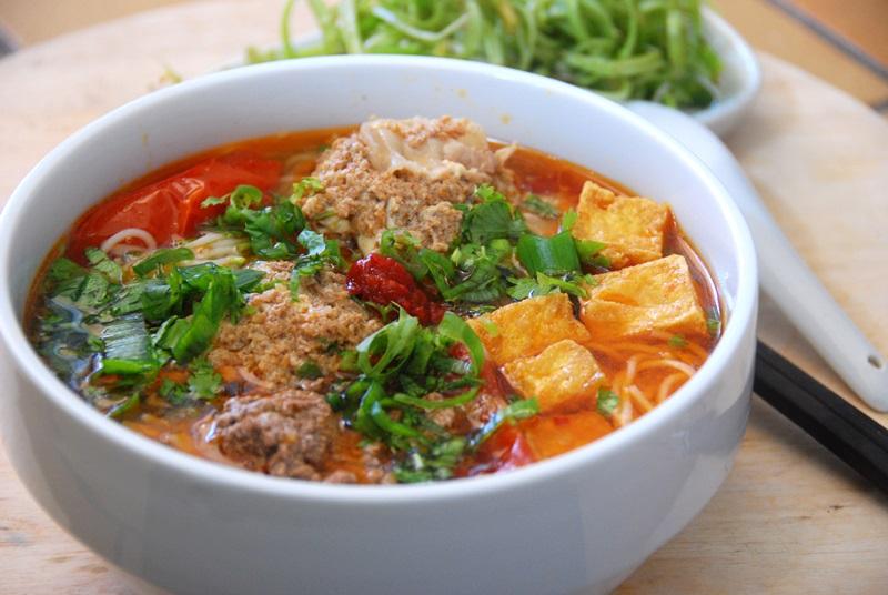 Top 10 món ăn ngon nhất Việt Nam - Toplist.vn