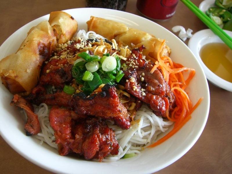 Bún Thịt Nướng Phú Hồng
