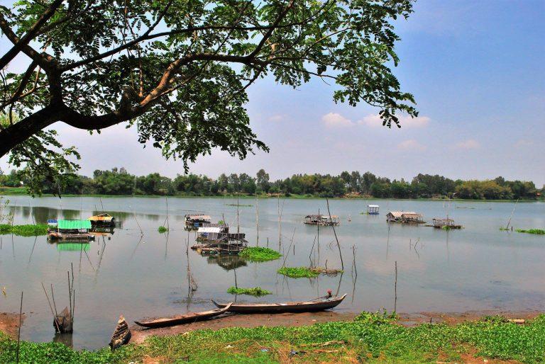 Hồ nước trong xanh quanh năm