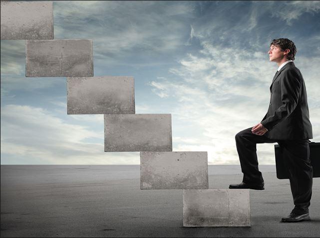 Bước đầu tiên luôn là bước quan trọng nhất và khó nhất