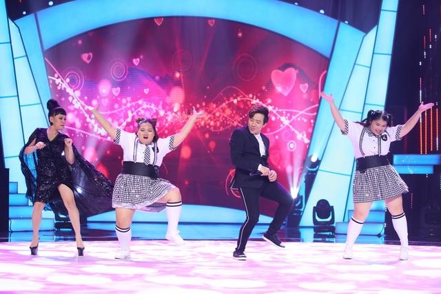 Trấn Thành - Việt Hương cùng thí sinh của Bước Nhảy Ngàn Cân