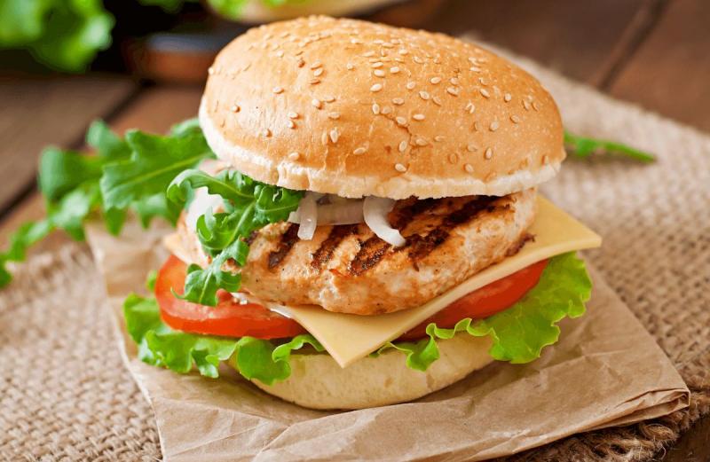 Burger gà - The Canteen