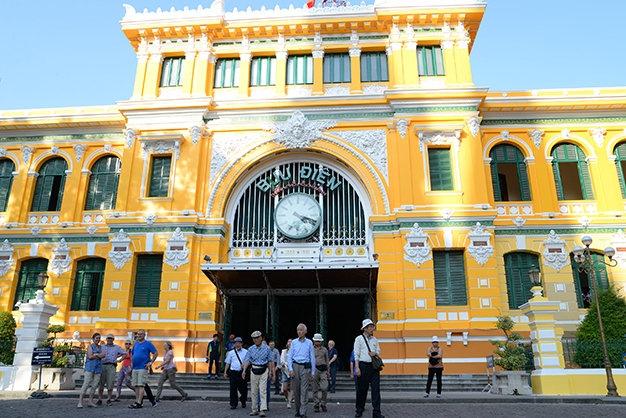 Bưu điện trung tâm thành phố Hồ Chí Minh  là một điểm đến tuyệt vời trong chuyến du xuân của bạn.