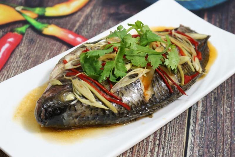 Nên ăn cá trong ngày Tết