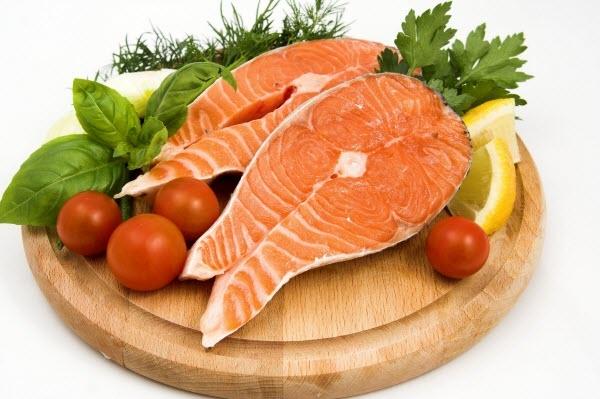 Bạn nên chọn các loại cá ít béo như: Cá Rô, Diêu Hồng, Chép...