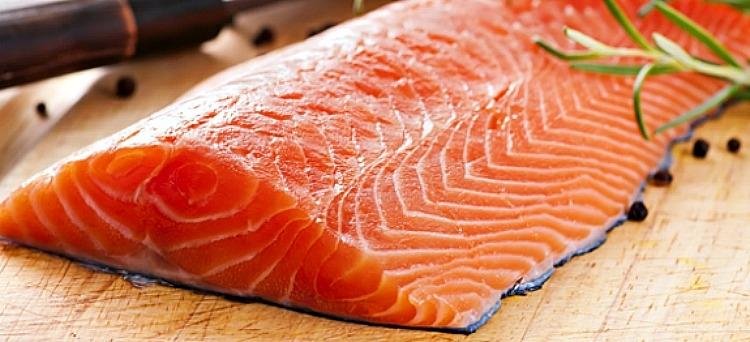 Ăn cá hồi để giải quyết tình trạng liệt dương