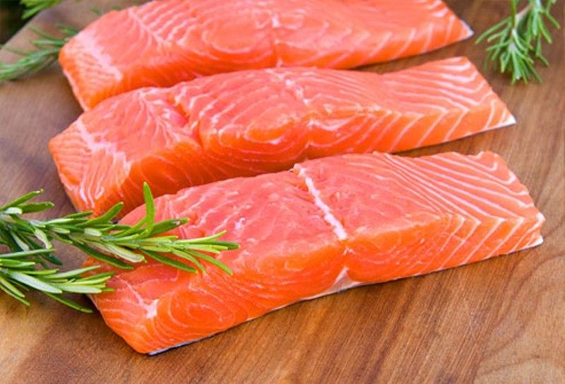 Những chất dinh dưỡng hữu ích trong cá hồi có thể bảo vệ võng mạc và ngăn ngừa mù lòa