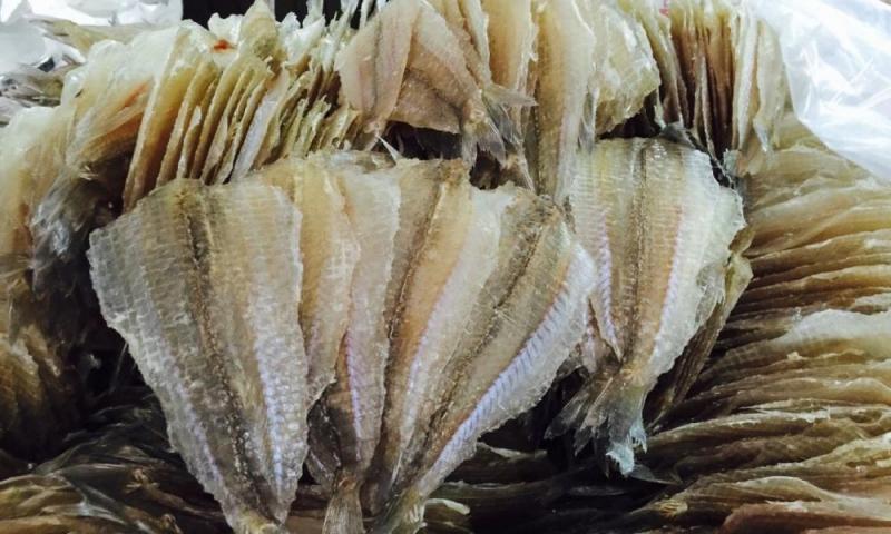 Cá khô là thức ăn quen thuộc với những người dân vùng ven biển
