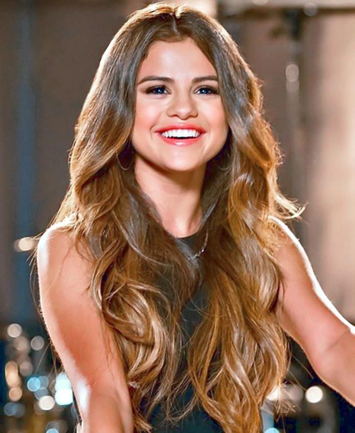 Top 10 ca khúc hay nhất của nữ ca sỹ Selena Gomez của nước Mỹ