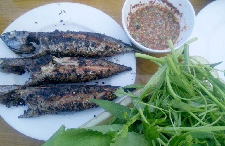 Món cá ô nướng thơm ngon, hấp dẫn của Phú Yên sẽ khiến bất kỳ du khách nào cũng phải thán phục