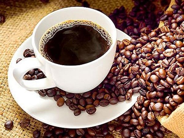 Tuyệt đối không nên uống cà phê cùng thuốc